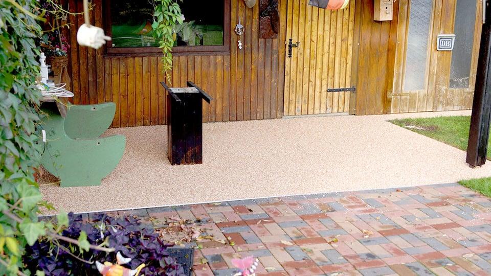 kleine Terrasse Steinteppich