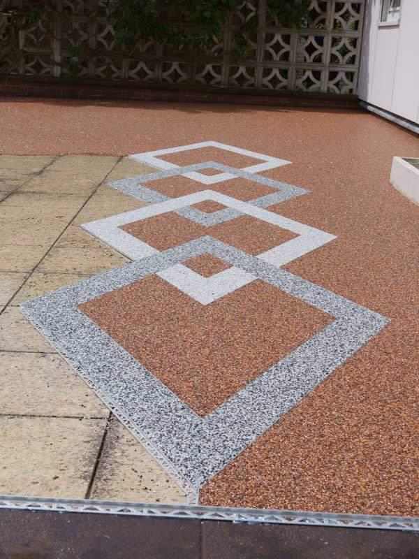 Bild von Terrassensanierung im Gang mit Muster