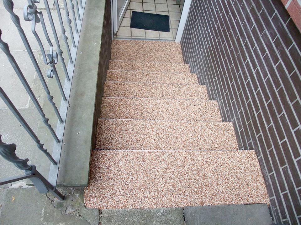 treppe-kellertreppe-steinteppich-bild-12