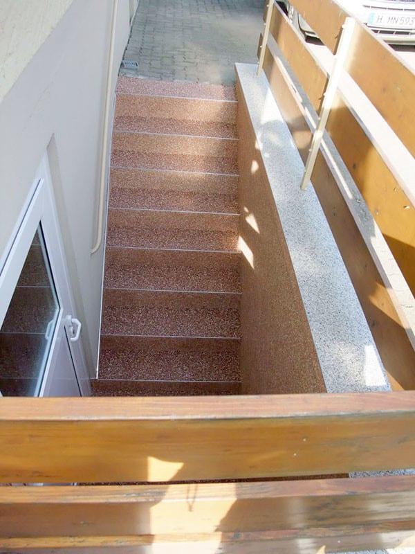 treppe-kellertreppe-steinteppich-bild-16
