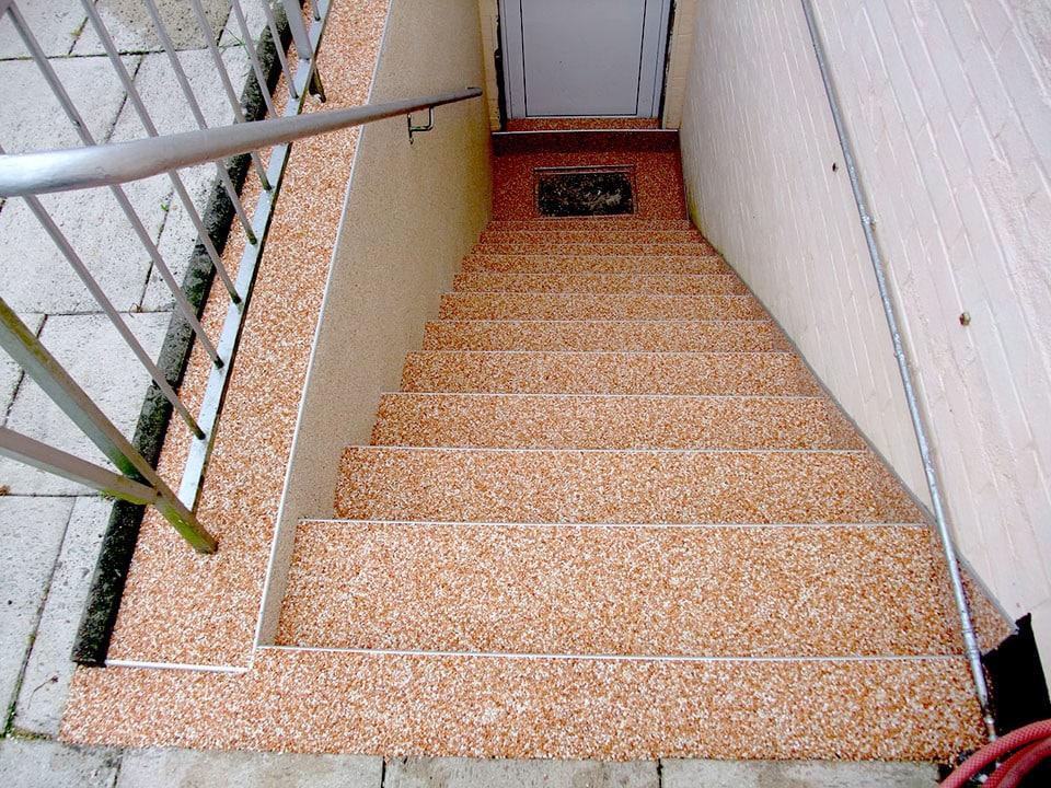 treppe-kellertreppe-steinteppich-bild-19