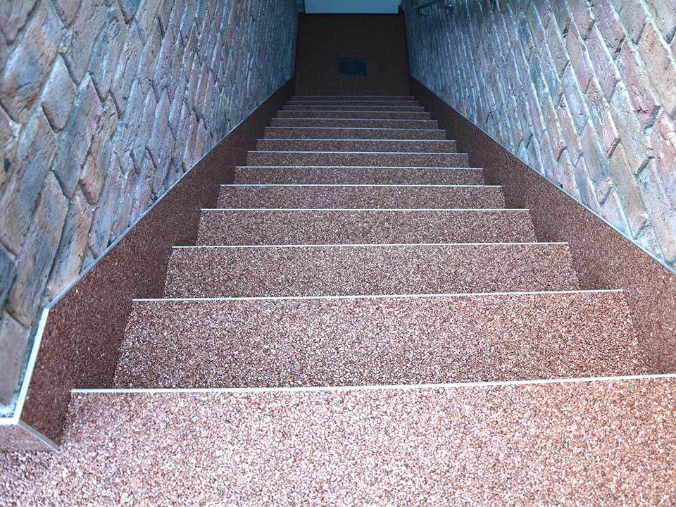 Treppe Kellertreppe aus Steinteppich Bild-23