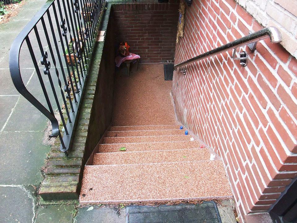 treppe-kellertreppe-steinteppich-bild-7