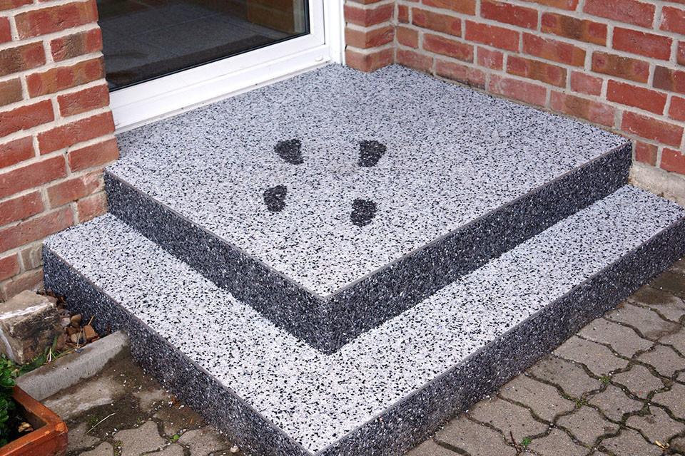 Steinteppich Eingangstreppe mit Muster
