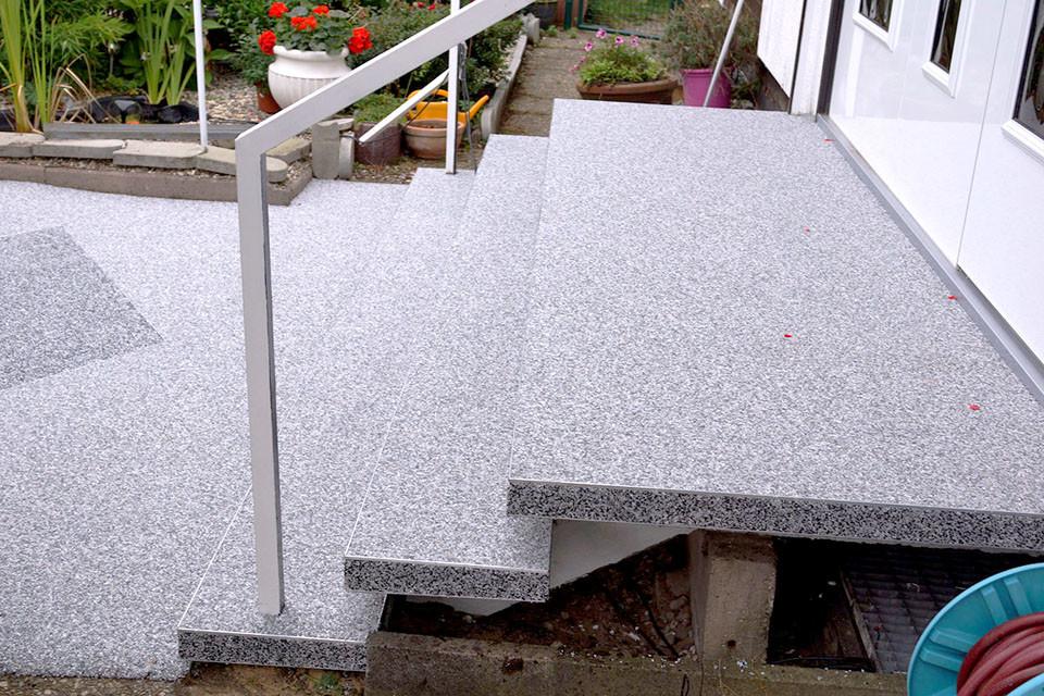 Eingangstreppe - Sanierung mit Steinteppich