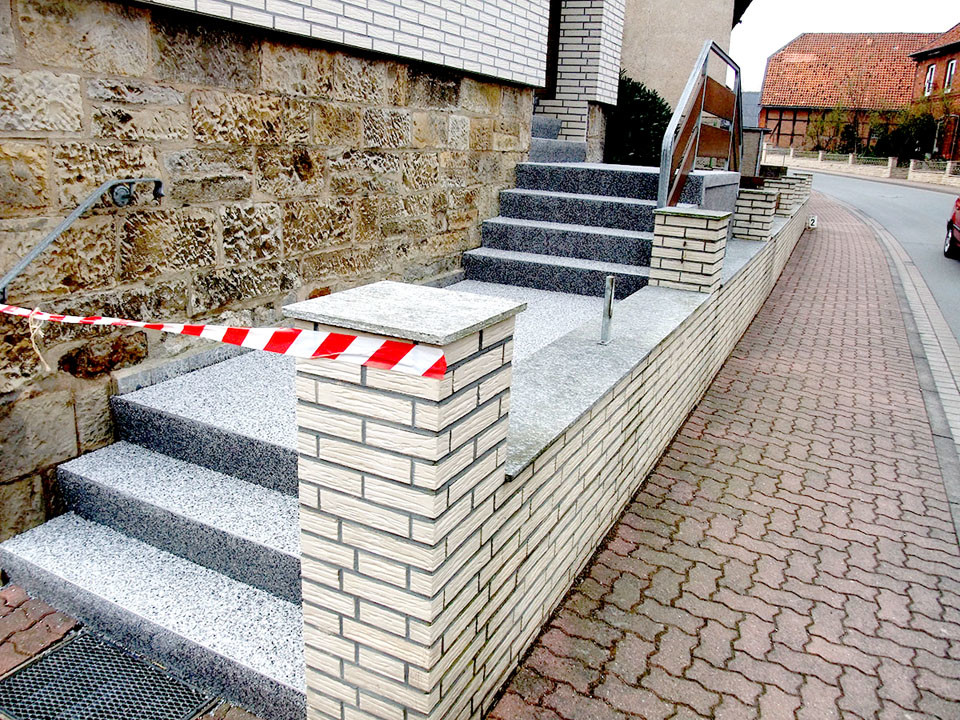Hauseingang Treppensanierung Steinteppich