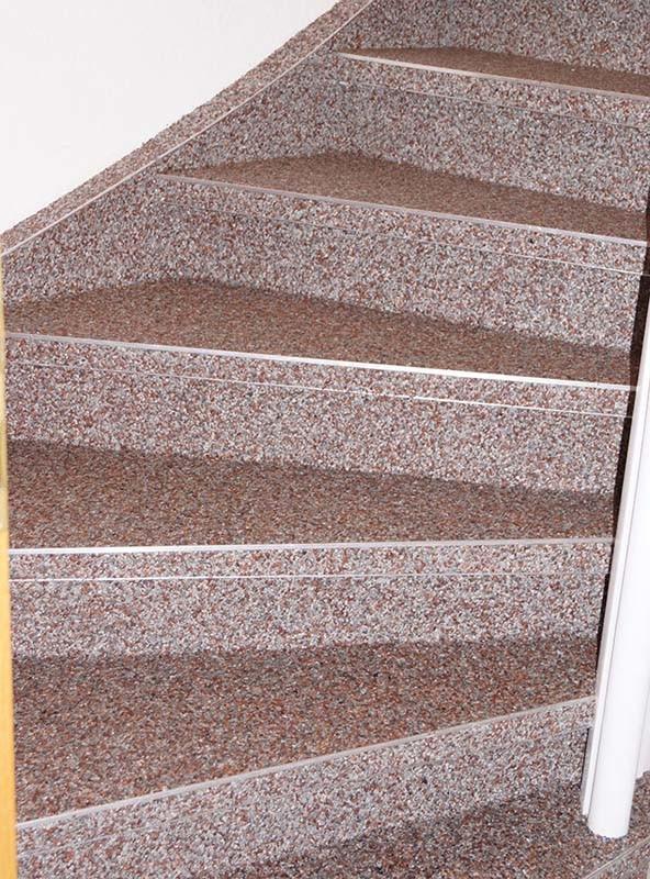 Treppensanierung innen mit Steinteppich