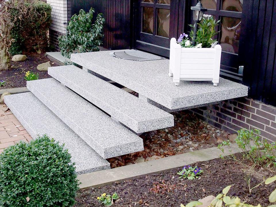 Eingangstreppe Sanierung mit Steinteppich