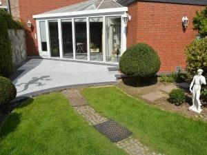 Dekorative Bodenbelag für die Terrasse