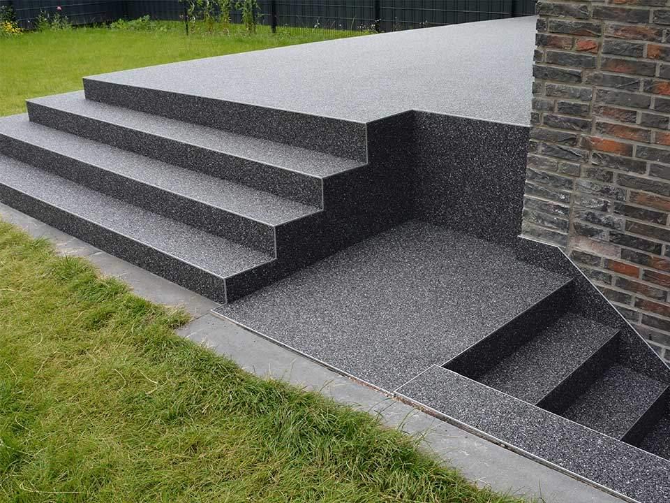 Eingangstreppe Aussentreppe Sanieren Steinteppich Abel